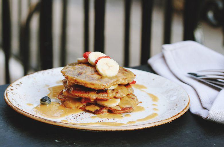 Lecker ins Wochenende –<br>Power-Frühstück Banana Pancake